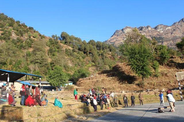 新しい植林地のレスパル村